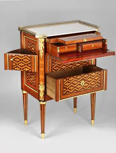 French Furniture, Classic Furniture, Antique Furniture, Furniture Decor, Art Deco Desk, E Piano, Armoire, Louis Xvi, Interiores Design