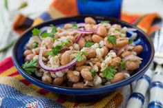 Borlotti Bean Salad with Tuna & Onions is a protein packed meatless dish! #beansalad #highprotein #tuna