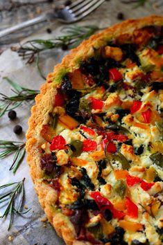 Kakkuviikarin vispailuja!: Nokkos-metwurstipiirakka Vegetable Pizza, Feta, Vegetables, Cooking, Red Peppers, Vegetable Recipes, Veggie Food, Vegetarian Pizza, Veggies