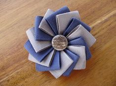 39 Navy and Grey Ribbon Brooch by Cocarde on Etsy Grey Ribbon, Ribbon Art, Fabric Ribbon, Ribbon Crafts, Flower Crafts, Ribbon Bows, Ribbon Flower, Grosgrain Ribbon, Ribbons