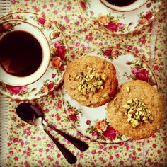 Brown butter apple & cinnamon muffins : The Organised Housewife : Ideas for organising and Cleaning your home Apple Cinnamon Muffins, Cinnamon Apples, Vegetarian Cooking, Cooking Recipes, What's Cooking, Just Desserts, Dessert Recipes, Donut Muffins, Organised Housewife