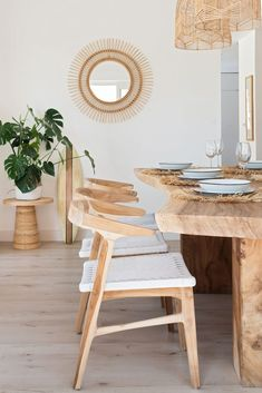 Dining Chair inspiration, light wood chairs, raw edge dining table, rattan and w. - Home - Design Rattan Furniture Light Wood Dining Table, Dining Table Lighting, Tropical Home Decor, Tropical Interior, Rattan Dining Chairs, Wood Chairs, Chiavari Chairs, Desk Chairs, Modern Dining Chairs
