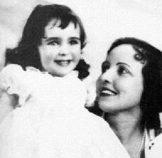 Liz Taylor and her mom