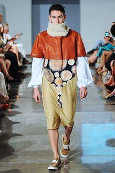 MOVE Moda Sevilla 2013. Diseño Moda Sevilla. Pasarelas. Desfile Move. Yuna Bluek
