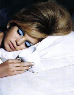 Erin Heatherton by Steve Hiett for Vogue Italia. Big Volume hair and stunning make-up! Makeup Inspo, Makeup Inspiration, Beauty Makeup, Hair Makeup, Hair Beauty, Mime Makeup, Makeup Contouring, Eyeliner Makeup, Makeup Trends