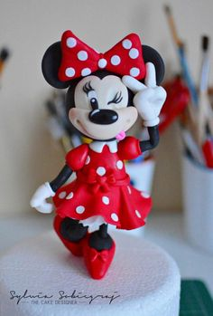Minnie Mouse Cake Topper by Sylwia Sobiegraj The Cake Designer