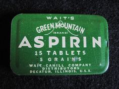 Vintage ~ Waits Green Mountain Aspirin Tin ~ Advertising ~ Decatur Illinois