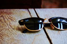 Ray Ban Clubmasters.