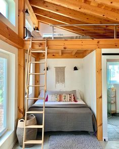 Coming in a feet, the Honeycrisp Cottage in Southern Vermont is a dreamy energy-efficient getaway, and a tiny house design worth bookmarking Tiny House Talk, Tiny House Nation, Tiny House Living, Tiny House Plans, Tiny House Design, Tyni House, Loft House, Casa Cook Hotel, Casa Loft