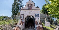 Sanctuary in Kazimierz Dolny, Poland on http://picstrip.net/?p=9519 #sanktuarium #sanctuary #kosciol #polska #religia #church #poland #religion #kazimierzdolny #building #architecture #trip #travel #picstrip