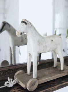 Antique pull toy...horse...