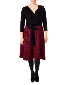 Studio 8 plus size katy red and black dress Plus Size Dresses Uk, Dresses For Work, Clothing Studio, House Dress, Fashion Story, Dress Codes, Fashion Advice, Pattern Fashion, Dresses Online