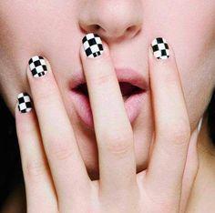 Check nails :3