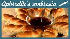 Mini Greek Tsoureki Braided Buns with Orange Flavor Greek Recipes, Sweet Bread, Breads, Braided Buns, Breakfast, Mini, Food, Cookies, Orange