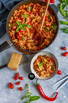 Vegetarian Recipes, Cooking Recipes, Healthy Recipes, Healthy Food, Family Meals, Thai Red Curry, Recipies, Good Food, Food And Drink
