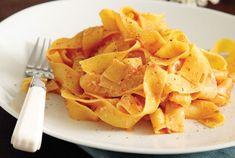 Παπαρδέλες µε σάλτσα ντομάτας και ανθότυρο | Συνταγή | Argiro.gr - Argiro Barbarigou Snack Recipes, Snacks, Food Categories, Cooking Time, Chips, Food And Drink, Vegetarian, Vegetarian Cooking, Snack Mix Recipes