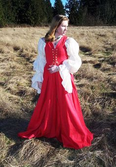 An fantastic starter ensemble for anyone just getting into renaissance faires! Perfect for going to the faire or the SCA, the Brigid Irish