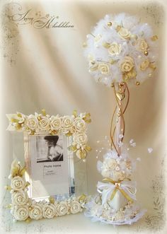 Sweet ideas for wedding present. Wedding Centerpieces, Wedding Decorations, Table Decorations, Diy Y Manualidades, Wedding Glasses, Topiary, Flower Crafts, Paper Flowers, Floral Arrangements