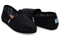 The foundation to the One for One movement: TOMS Original Classics. When Blake saw the traditional alpargata in Argentina, he recognized a solution to the shoeless children enduring hardship around him, and started TOMS. Black Canvas Shoes, Canvas Slip On Shoes, Black Toms, Black Flats, Toms Sneakers, Slip On Sneakers, Toms Flats, Sneakers Women, Black Sneakers