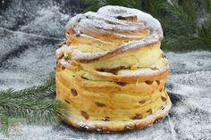 Melcisori cu nuca - CAIETUL CU RETETE Bread, Ethnic Recipes, Food, Ham, Brot, Essen, Baking, Meals, Breads