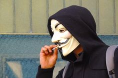 حوحو : قراصنة مجهولون يتمكنون من إختراق إحدى أكبر شركات الاتصال في كندا ويسرقون آلاف البيانات الشخصية للعملاء