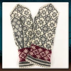 Ravelry: Juletid(Christmas time) pattern by JennyPenny Knitted Mittens Pattern, Knit Mittens, Mitten Gloves, Knitting Socks, Knitting Patterns, Knit Socks, Crochet Snowflakes, Hand Warmers, Christmas Time