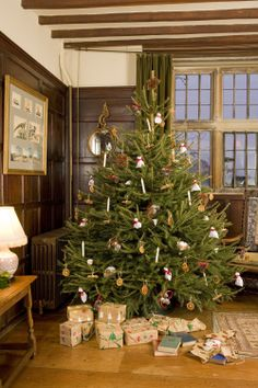 the 279 best a british christmas images on pinterest in 2018 christmas in england english christmas and xmas - British Christmas Tree Decorations