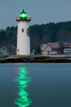 Portsmouth Harbor Lighthouse by Matt Currier Photography, via Flickr    Little green light, sounds like Gatsby