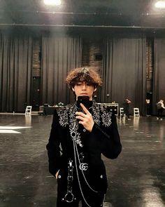 Daegu, V Bts Wallpaper, V Taehyung, Stage Outfits, Bts Lockscreen, Taekook, Korean Singer, Boys, Inner Child