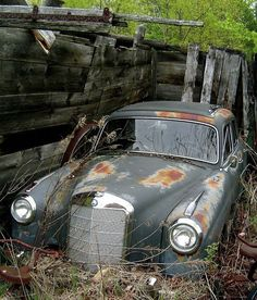 THE BEAUTY OF ABANDONMENT.  MERCEDES BENZ PONTON, FORGOTTEN IN SOME PLACE.  W...