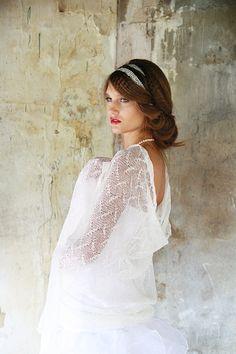 Mariage écharpe lin nuptiale châle étole pure blanc mariage tricot écharpe dentelle fine de lin blanc brouillard Echarpe dentelle (33€ sur Etsy)