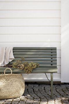 Outdoor Paint, Outdoor Fun, Outdoor Spaces, Outdoor Living, Outdoor Decor, Backyard Furniture, Backyard Patio, Outdoor Furniture, Furniture Ideas