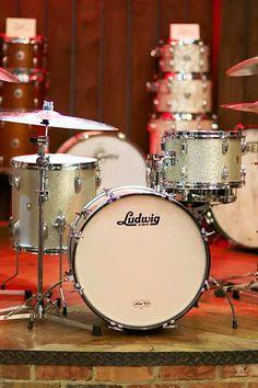 Drum Shop, Alan White, Ludwig Drums, Britpop, British Invasion, Recording Studio, Percussion, Music Stuff, Oasis