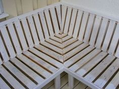 Outdoor Sofa Made From Pallet Wood - Patio furniture - Design Rattan Furniture Wood Patio Furniture, Outdoor Garden Furniture, Diy Pallet Furniture, Diy Pallet Projects, Building Furniture, Ikea Furniture, Outdoor Projects, House Projects, Furniture Ideas