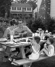 Throwback backyards! Celebrate sunny days with fun vintage photos - Slideshows and Picture Stories - TODAY.com