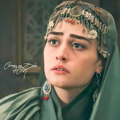 Turkish Fashion, Turkish Beauty, Empire Wallpaper, Best Friend Status, Esra Bilgic, Sad Girl, Girls Image, Celebrity Gossip, Beautiful Actresses