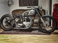 Bobber Inspiration - Bobbers and Custom Motorcycles Triumph Cafe Racer, Triumph Bobber, Triumph Chopper, Triumph Motorcycles, Bobber Bikes, Cafe Racers, Vintage Bikes, Vintage Motorcycles, Custom Motorcycles