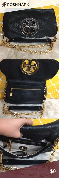 "OFFERS?Tory Burch All Leather 2 in 1 Crossbody AuthenticExcellent shape. Minimal sign of use. Features removable strap, 2 zippered pockets, detachable mirror and a beautiful gold hardware. Carry it by shoulder or crossbody or remove the strap and use a clutch bag. Great for day or night , date night or fun night. Black easily match outfits. Don't be shy to make an offer Dimensions: L11"" H7"" ✨Feel free to bundle with other purse✨ Tory Burch Bags Crossbody Bags"