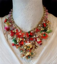 Latest Christmas Jewelry Gift Ideas for Her/ Xmas Jewelry Trends consists of beautiful jewelry designs & styles for mom, wife, daughter, girlfriend, etc Vintage Jewelry Crafts, Old Jewelry, Jewelry Art, Gemstone Jewelry, Jewelry Gifts, Beaded Jewelry, Handmade Jewelry, Jewelry Design, Fashion Jewelry