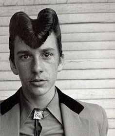 The pompadour. :: updo :: hair :: rockabilly :: hairstyle :: inspiration :: The pompadour. Teddy Boys, Teddy Girl, 1950s Mens Hairstyles, Boy Hairstyles, Vintage Hairstyles, Hairdos, Fashion Hairstyles, Party Hairstyles, Wedding Hairstyles