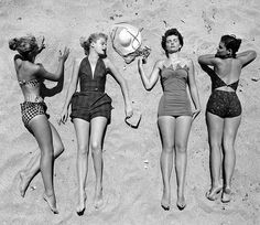 rockstar diaries: glamour on the beach. Photo Vintage, Vintage Love, Vintage Photos, Vintage Glam, Vintage Holiday, Vintage Girls, Vintage Inspired, Vintage Style, Vintage Bathing Suits