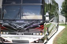 Liberty Coach Prevost: Custom Paint by Dean Loucks Prevost Bus, Cool Rvs, Luxury Bus, Custom Airbrushing, Motor Homes, Bus Conversion, Rv Campers, Tent Camping, Coaches