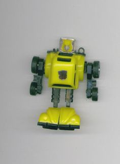 2001 TRANSFORMERS Hasbro BUMBLEBEE G1 ReIssue Key Chain Figure Free S/H USA!
