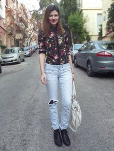 Shop this look on Kaleidoscope (blouse, jeans) http://kalei.do/XI8SsGtoJbMR22d7