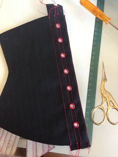 how to make a corset - eyelets 10