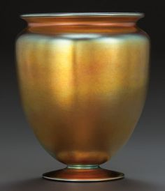 STEUBEN GLASS GOLD AURENE VASE Circa 1920, Engraved: aurene, 938, STEUBEN (original sticker), 7-1/8 inches high Corning Glass, Steuben Glass, Sandblasted Glass, Stained Glass Designs, Diy Solar, Pottery Vase, Stained Glass Windows, Interior Styling, Flower Pots