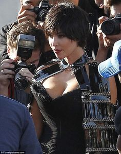 Thoughts on Kim's short hair (wig)?