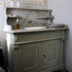 un meuble de barbier pour accueillir la vasque
