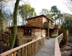 In April 2010 Blue Forest in partnership with Jessops Construction were awarded the contract for the development of three luxurious sustainable tree houses for Center Parcs Sherwood Forest.