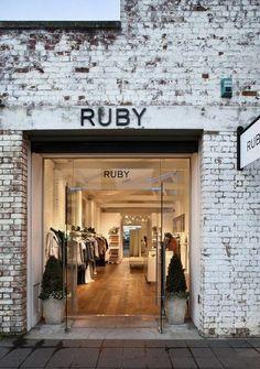 Boutique Interior, Design Boutique, Boutique Deco, Shop Interior Design, Home Interior, Retail Design, Boutique Store Front, Design Exterior, Exterior Signage